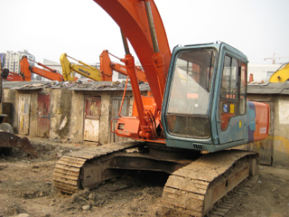 USED HITACHI EX200-2 EXCAVATOR WITH JACKHAMMER LINE