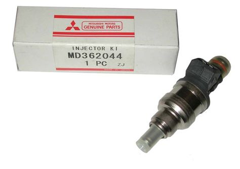 """NEW"" Mitsubishi Fuel Injector-MD362044"