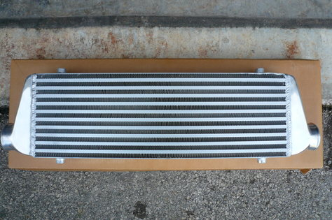 "Universal Intercooler 28""X7""X2.5"" * 2.5"" End Tank * Bar & Plate"