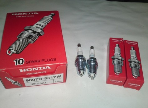 Genuine Honda Spark Plugs 9807B-5617W