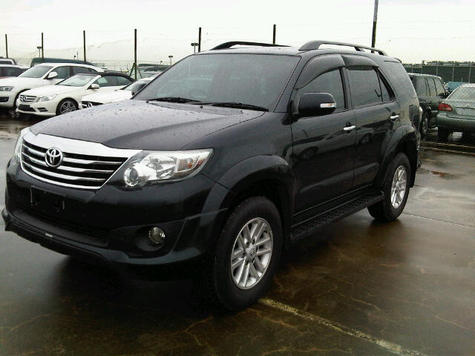 Hilux vigo and fortuner 2011 model for sale