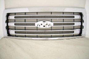 Ford F-150 Chrome Grille no Emblem