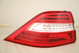 12-13 Mercedes ML 350 Tail Lights QTR Mtd
