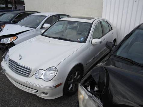 Selling: 2007 Mercedes C Class  - 3