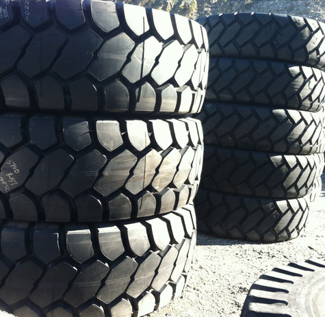 Surplus Bridgestone 3700R57 VZTS E-4 Tire (5)