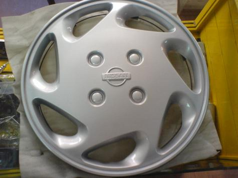 NISSAN ORIGINAL WHEEL RIM COVERS